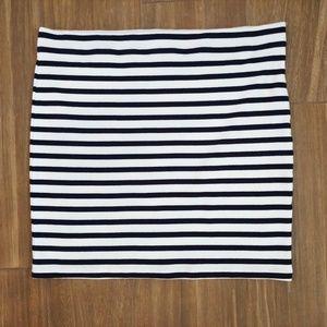 Katherine Barclay White Navy Stripe Skirt XL